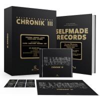 """Der limitierten """"Chronik III""""-Box liegt neben dem Sampler das 300 Seiten starke Buch """"Selfmade Records - Die ersten 10 Jahre des erfolgreichsten deutschen Hiphop-Labels"""" bei"""