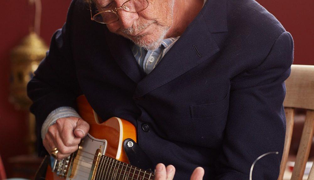 Ganz in der Tradition von Jarvis Cocker oder Leonard Cohen feierte auch Chris Rea erst relativ spät kommerzielle Erfolge