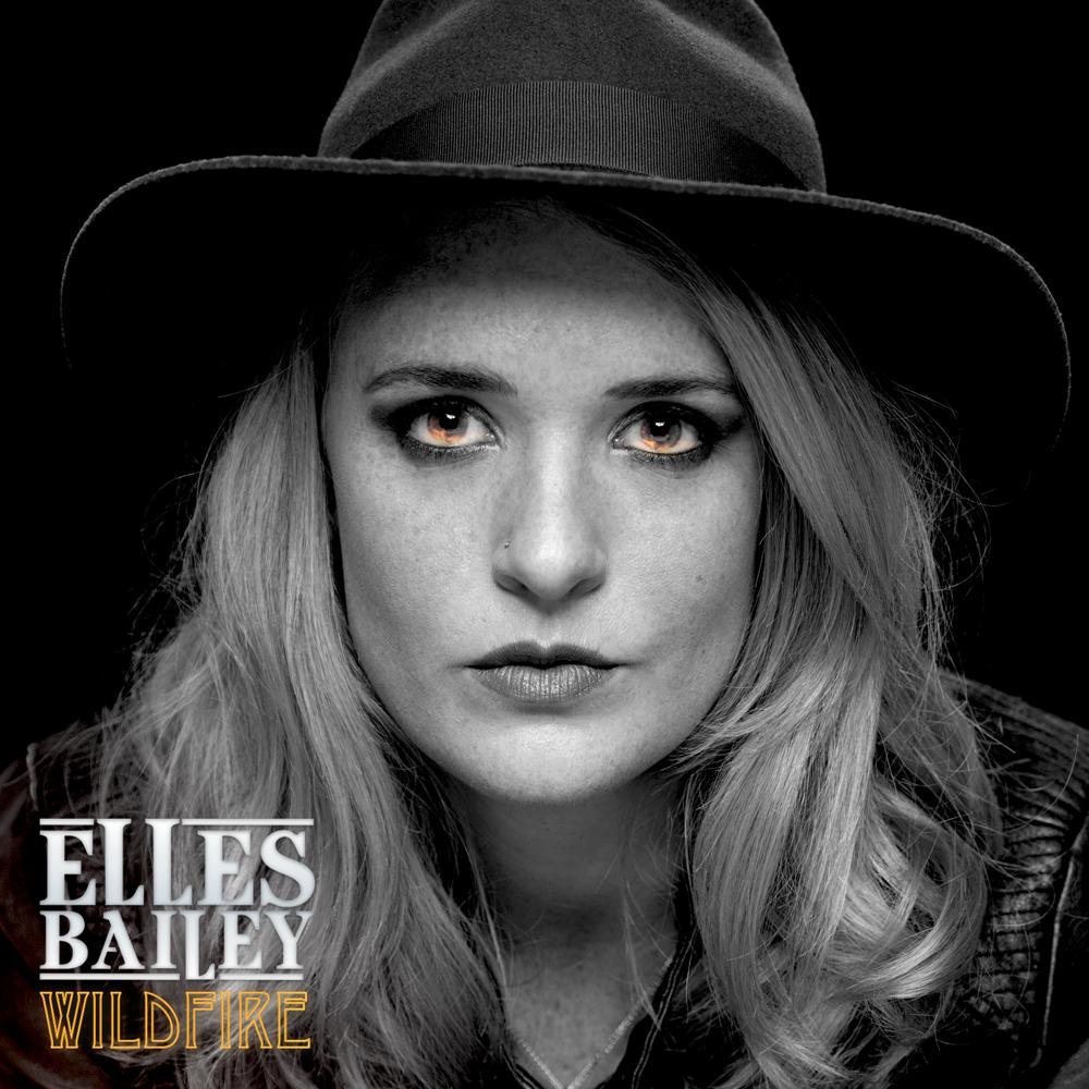 Elles Bailey kündigt ihr Debütalbum 'Wildfire' für den 01. September an!