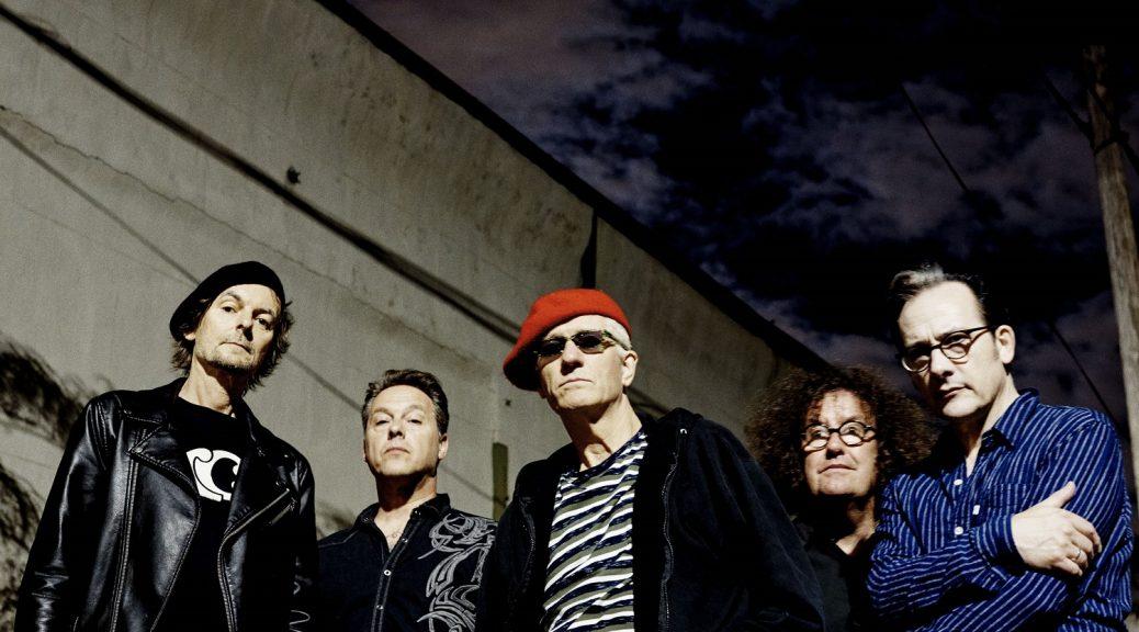 """Die legendäre Londoner Proto-Punk-Formation The Damned kündigt ein neues Studioalbum für den 13. April 2018 an. """"Evil Spirits"""" erscheint via Spinefarm Records und ist das erste Studioalbum der Punk-Pioniere seit knapp zehn Jahren."""