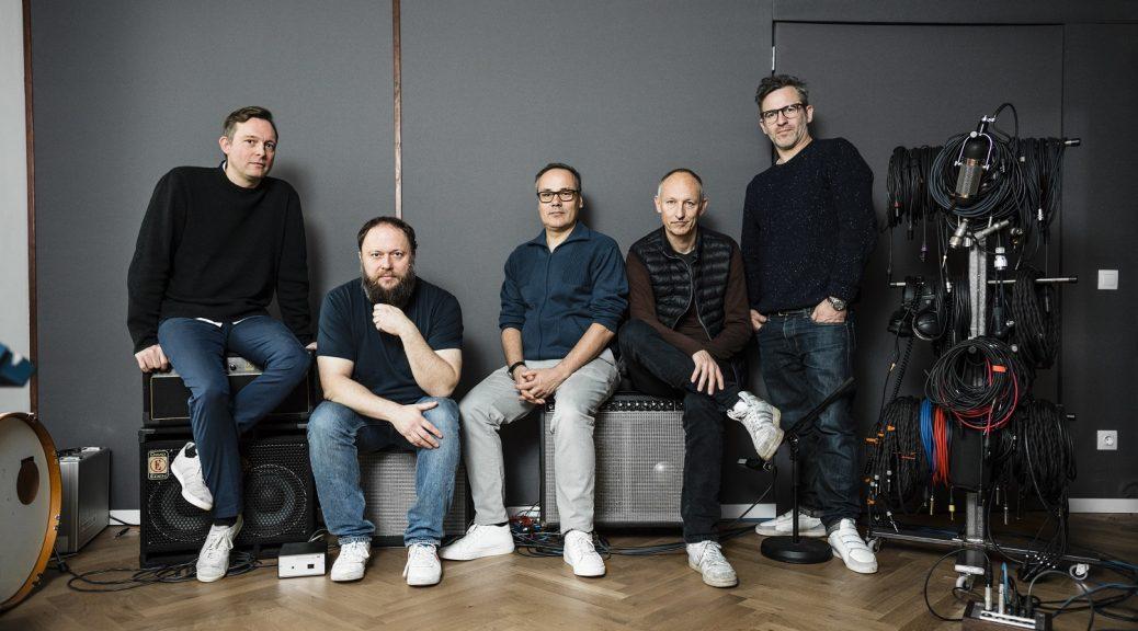 Jazzanova: Alexander Barck, Claas Brieler, Jürgen von Knoblauch, Stefan Leisering und Axel Reinemer - by Georg-Roske