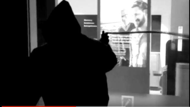 """DIE ACHSE zerstören mit """"HATE YOU"""" ihre Nachbarschaft und veröffentlichen ein provokantes Performance Art Video"""
